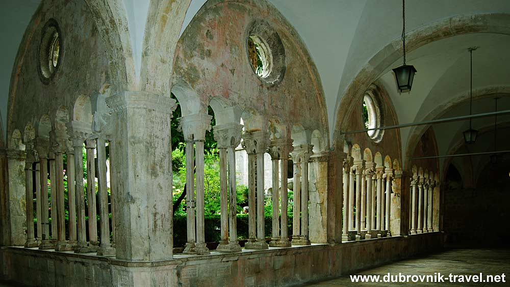 franciscan-monastery-collonade11