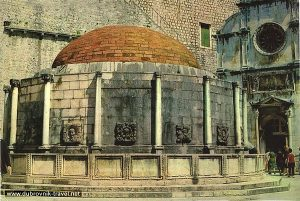 Street Scene and Onofrijeva Fontana in Dubrovnik