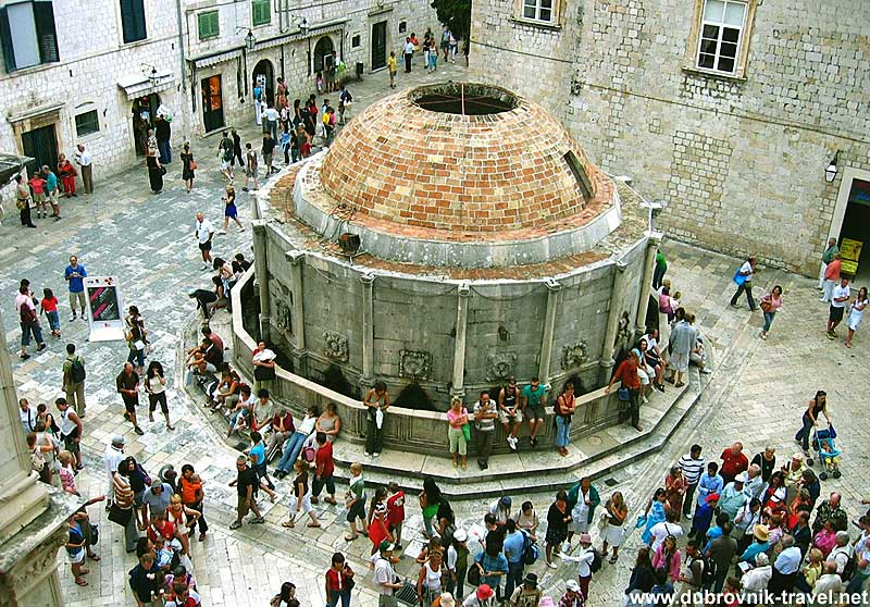 onofrijeva fontana viewed from city walls