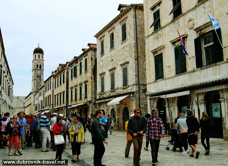 Crowd at Stradun, Dubrovnik
