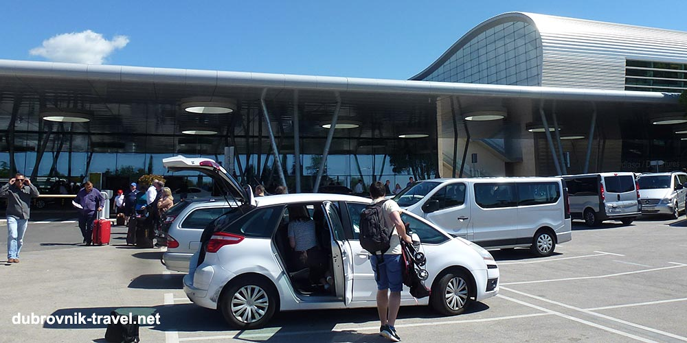 Getting to and from Dubrovnik Airport - Bus shuttle, taxi