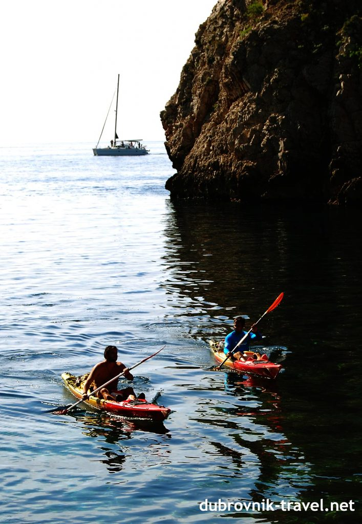entering to the small cove while kayaking around Old Town