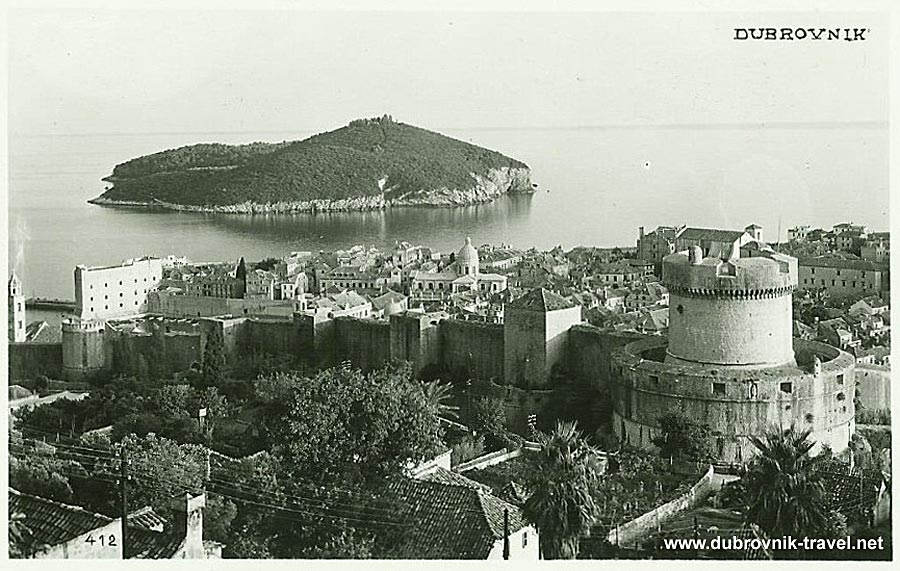 Views over Old town and Lokrum from Kono