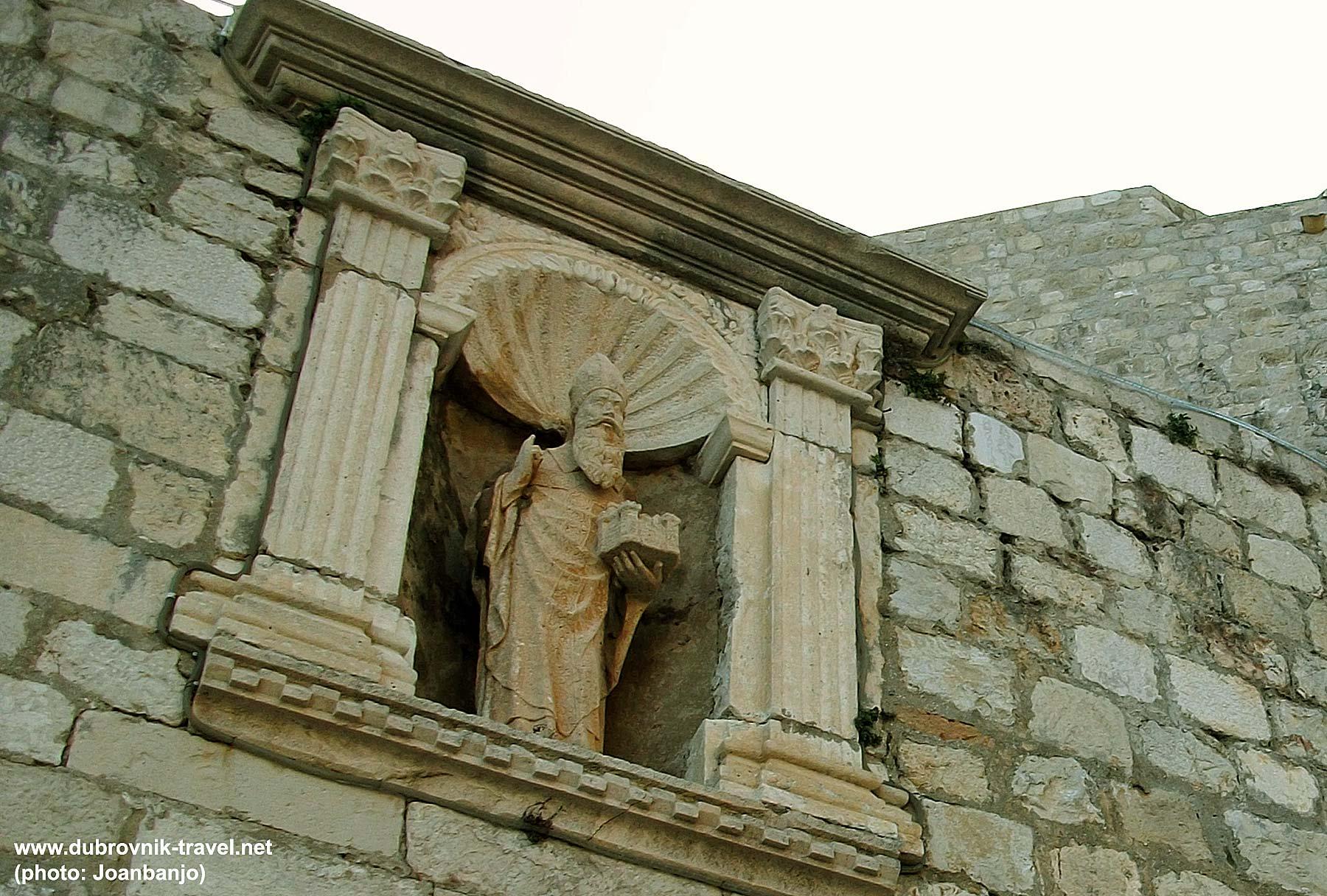Statue of Sveti Vlaho, the patron saint of Dubrovnik at Ploce Gate