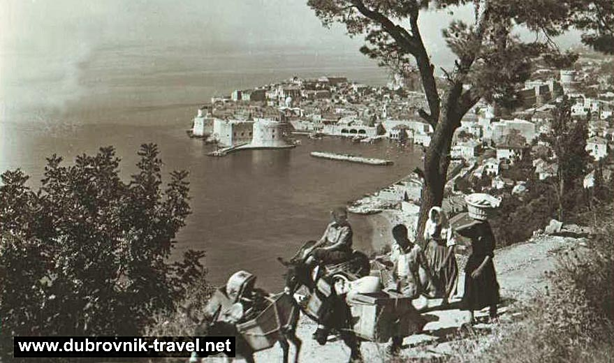 traveling-by-donkey-dubrovnik1930b